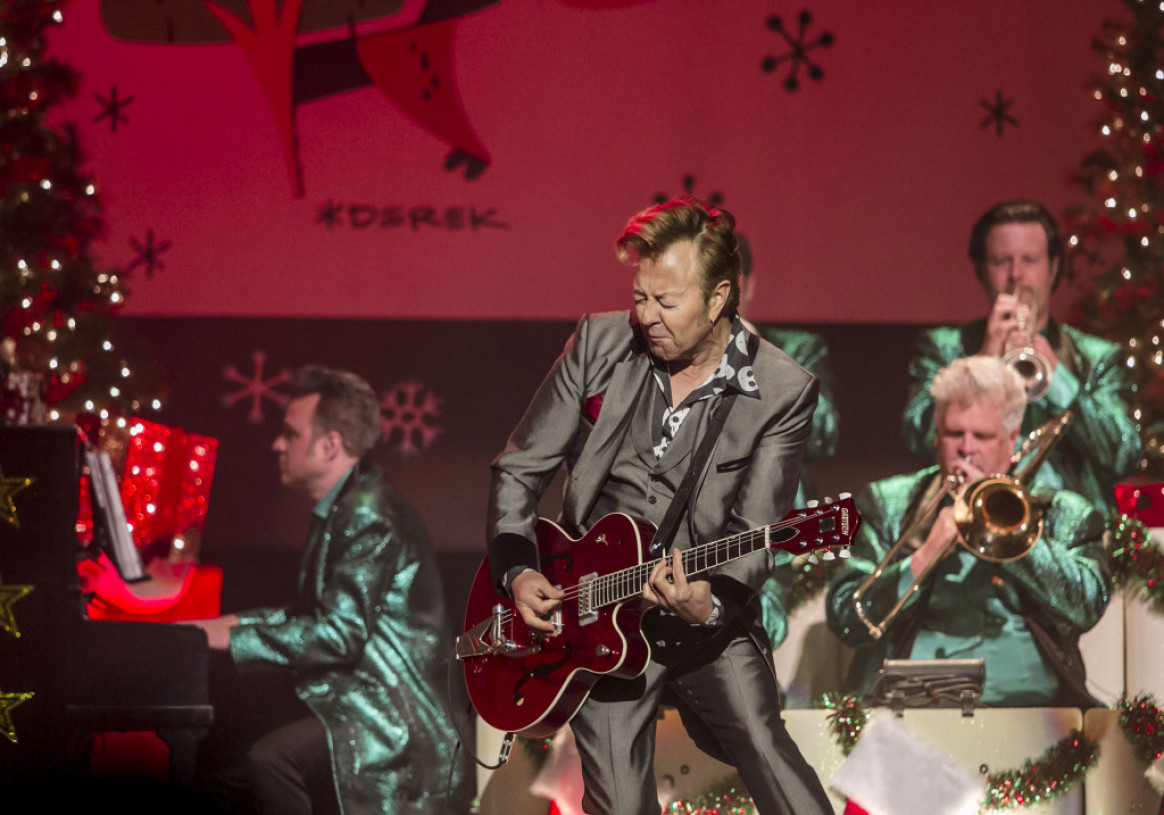 concert review brian setzer rocked christmas tunes like santa on a hot tin roof in wilkes barre. Black Bedroom Furniture Sets. Home Design Ideas