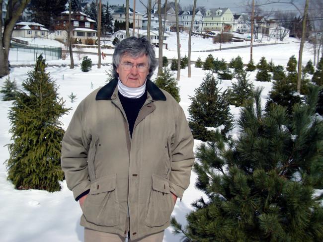 ARCHIVES: Clarks Green volunteer John Darcy founds ECTV, leads Scranton park project