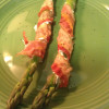 QUICK APPS & FOOTBALL SNAPS: Week 7 – Bacon and cream cheese wrapped asparagus spears
