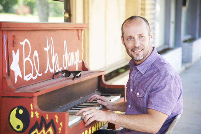 Paul Thorn brings blues-rock sound to Kirby Center's Chandelier Lobby on April 17