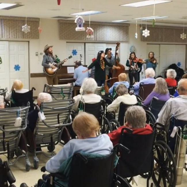 Kacey Musgraves sang Christmas songs in Wilkes-Barre nursing home before Kirby Center show