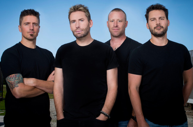 Nickelback plays 'All the Right Reasons' live with Stone Temple Pilots at Hersheypark Stadium on July 11