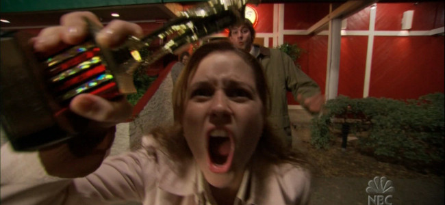Jenna Fischer's Pam from 'The Office' is finally unbanned from fictional Scranton Chili's