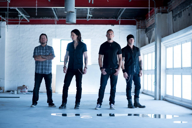 Alter Bridge rocks Sherman Theater in Stroudsburg with In Flames and Metal Church on May 11