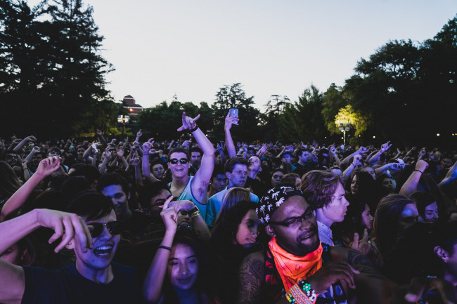 Headlining band and fans fall ill after virus outbreak at Pennsylvania music festival