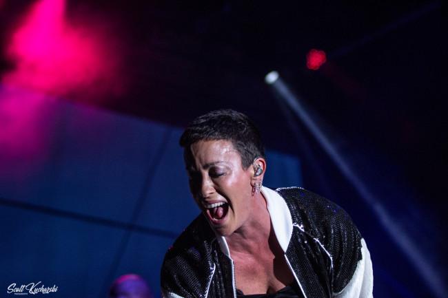 PHOTOS: Alanis Morissette at Mount Airy Casino Resort in Mt. Pocono, 09/08/18