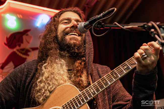 PHOTOS/VIDEO: Coheed and Cambria acoustic at Gallery of Sound in Wilkes-Barre, 05/16/19