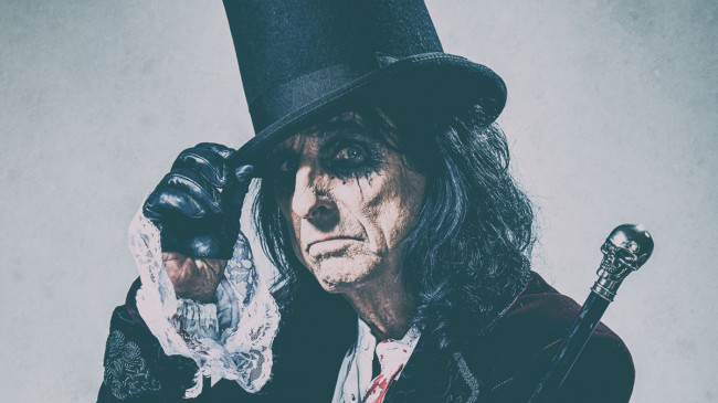 Alice Cooper rocks Mohegan Sun Arena in Wilkes-Barre with Tesla and Lita Ford on June 17