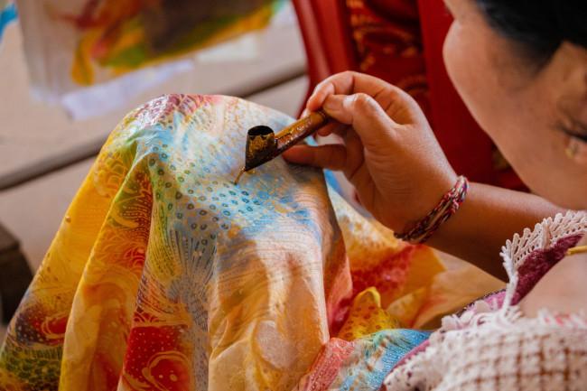 Leadership Wilkes-Barre hosts batik art fundraiser for Verve Vertu Art Studio in Dallas on Feb. 8