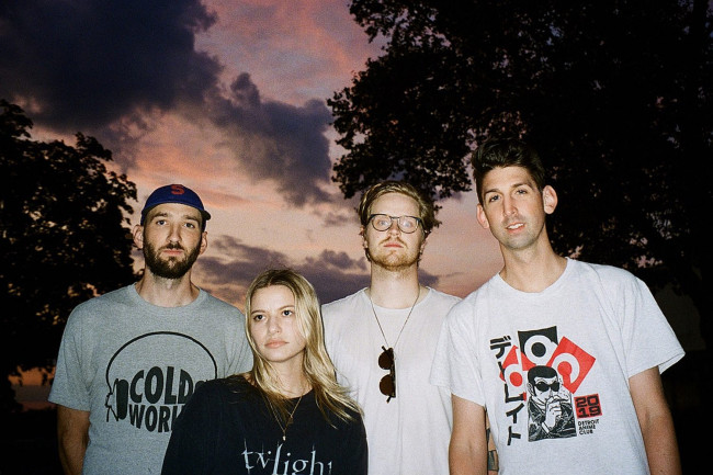 Scranton indie rockers Tigers Jaw sign to Hopeless Records, release new single 'Warn Me'