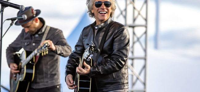 PHOTOS: Jon Bon Jovi acoustic at Joe Biden rally at Dallas High School, 10/24/20