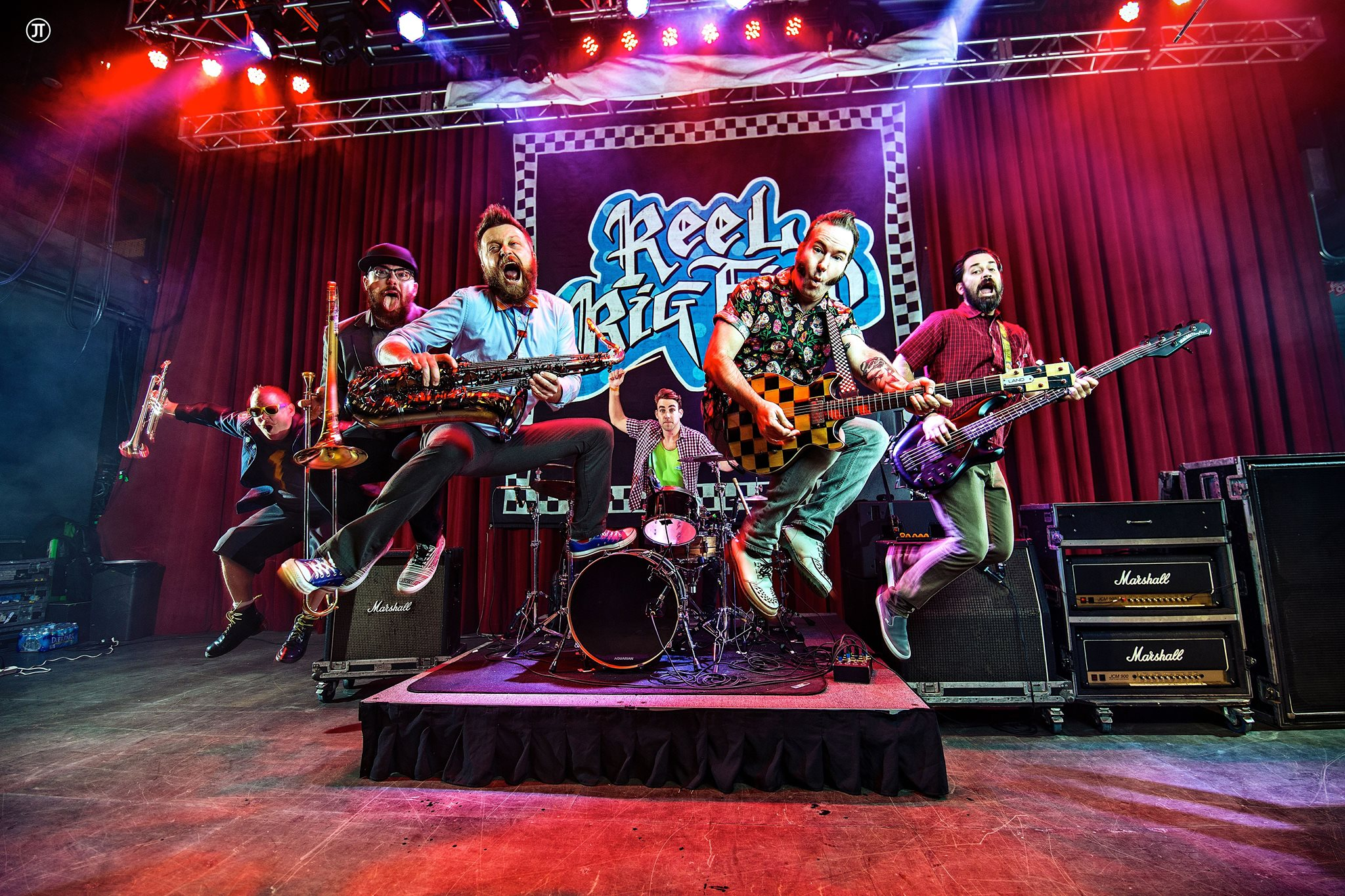 Reel big fish and masked intruder 39 turn the radio off 39 at for Reel big fish