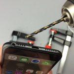 iphone-7-no-jack-headphones-drill