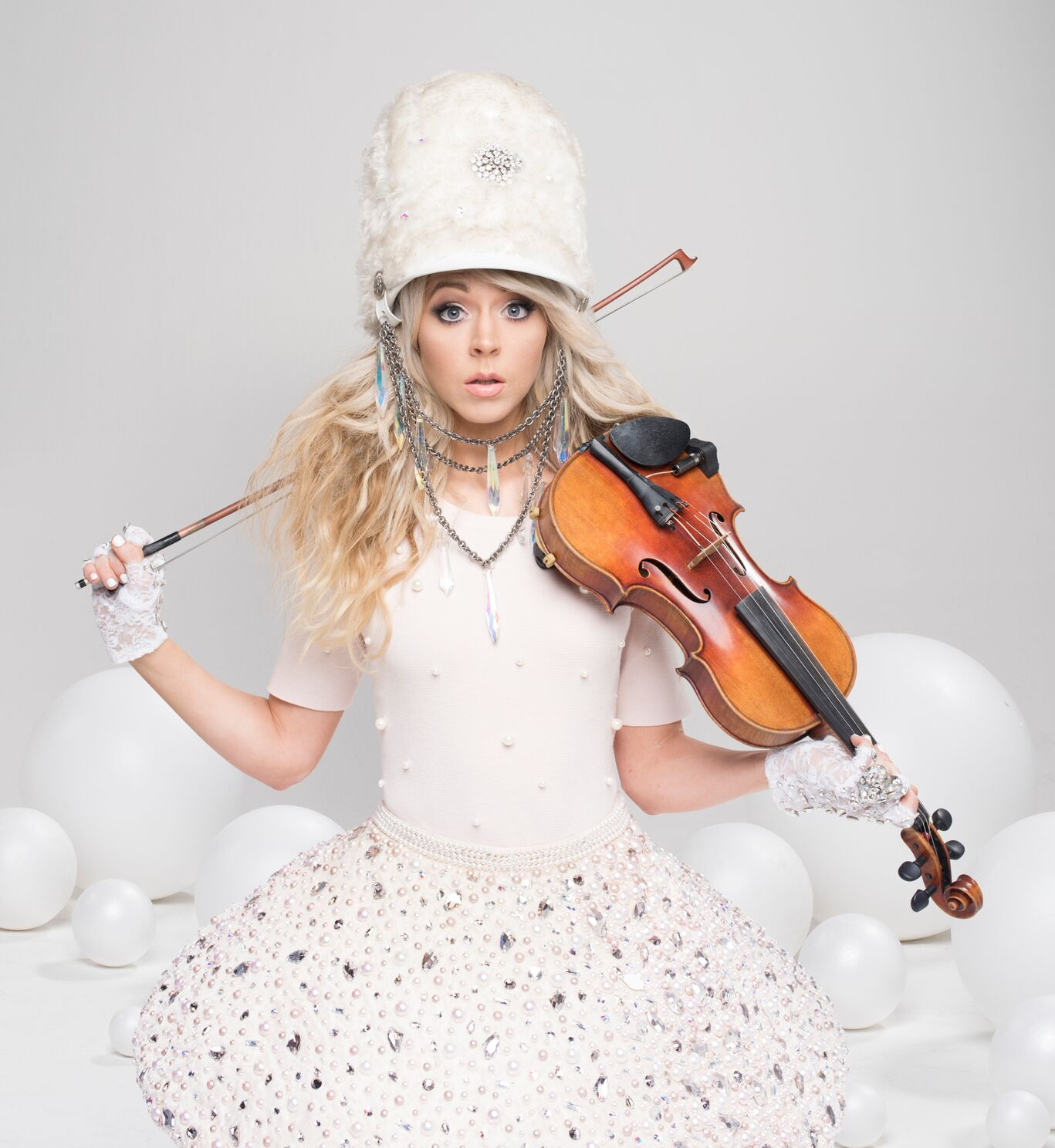 Electronic violinist Lindsey Stirling takes holiday show to Kirby ...