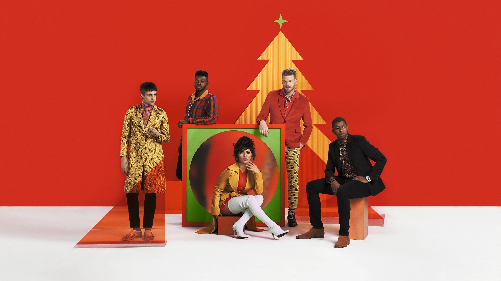 Pentatonix Christmas 2019.Multi Platinum A Cappella Group Pentatonix Brings Christmas